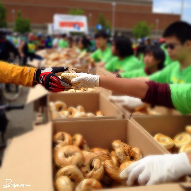 Bagels and other healthy snacks were distributed by helpful and friendly volunteers. They were awesome and made this event possible.