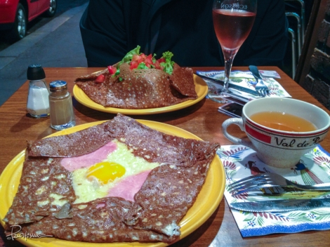 Galettes filled with egg, ham, and cheese while mine had the same but with salad and mushrooms.